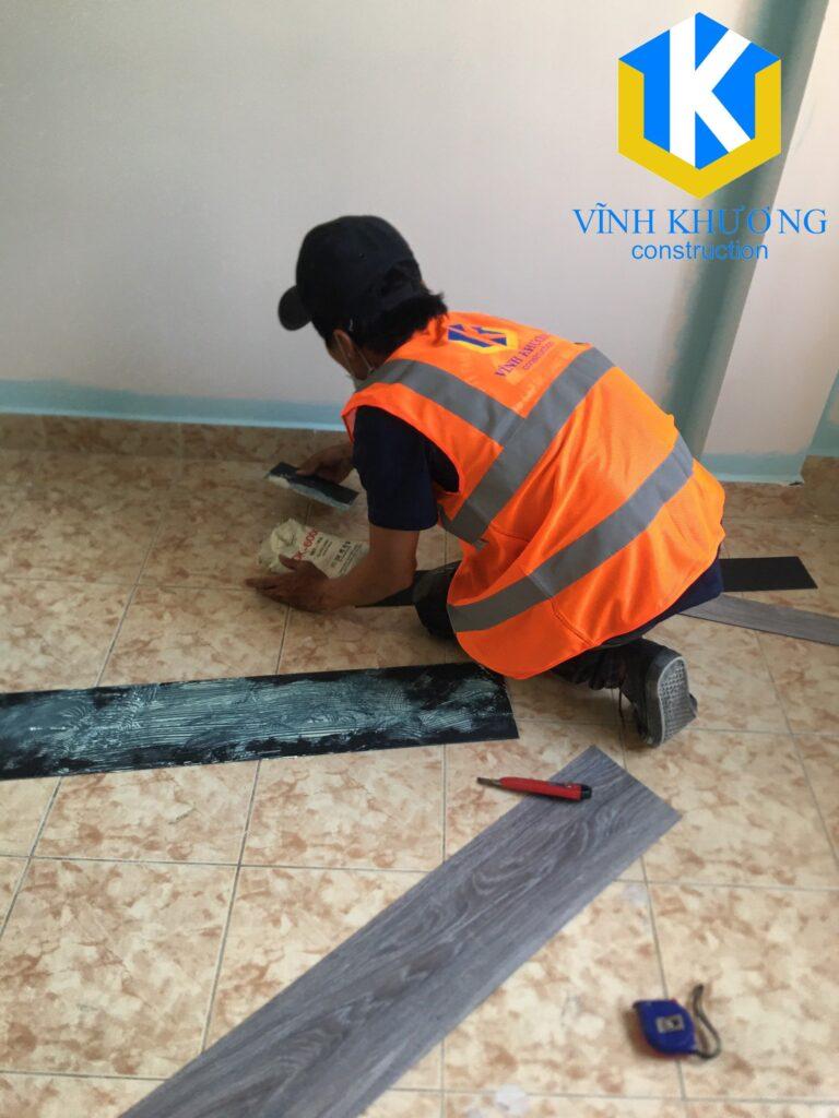 Sơn và lát gạch mới sẽ giúp thay đổi không gian căn nhà trở nên mới mẻ
